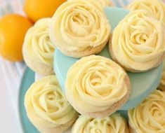 Lemon Sugar Cookies made with fresh lemon juice and zest in a soft sugar cookie dough and topped with a bright lemon buttercream frosting. Lemon Sugar Cookies are piped with a super simple rosette so Swig Sugar Cookies, Lemon Cookies Easy, Sugar Cookie Frosting, Sugar Cookie Dough, Yummy Cookies, Jello Cookies, Cookies Kids, Fruit Cookies, Crispy Cookies