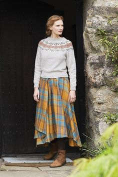 Knit this round neck sweater, with Fairisle yokea design by Marie Wallin using Rowan Felted Tweed. Fair Isle Knitting Patterns, Fair Isle Pattern, Sweater Patterns, Modest Outfits, Skirt Outfits, Modest Clothing, Spring Outfits Women, Fall Outfits, Sock Knitting