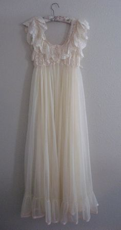 TOSCA Nightgown and Robe Peignoir Set S Vintage by MOJEART on Etsy, $199.00