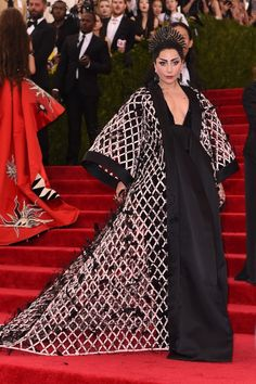 Lady Gaga Is Wearing Balenciaga on the Met Gala 2015 Red Carpet