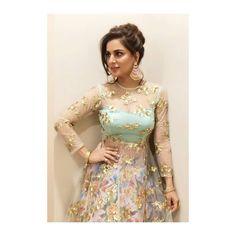 Party Wear Indian Dresses, Designer Party Wear Dresses, Dress Indian Style, Indian Gowns, Indian Designer Outfits, Pakistani Dress Design, Pakistani Dresses, Ethnic Outfits, Indian Outfits