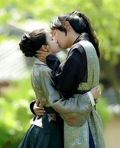 Jung Il Woo har sagt, at Sandara Park er hans eneste veninde.