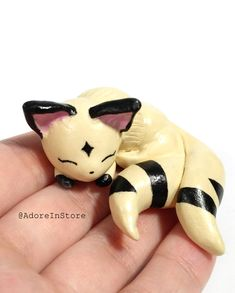 Adorable handmade Inuyasha Kirara figurine. Kirara is made out of polymer clay and painted with acrylic paint. This is a perfect gift for any inuyasha, kirara, or anime lovers!
