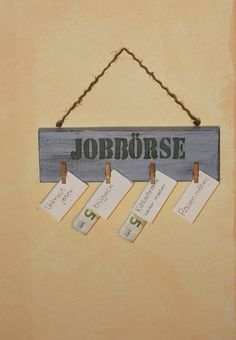 Pinnwände - Holzschild : Jobbörse für Kinder - ein Designerstück von Linda-Thom-Lillis-Handcraft bei DaWanda
