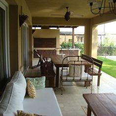 Estudio Clariá y Clariá Casa Patio, Outdoor Tables, Outdoor Decor, My Dream Home, Luxury Homes, Pergola, New Homes, Sweet Home, 1