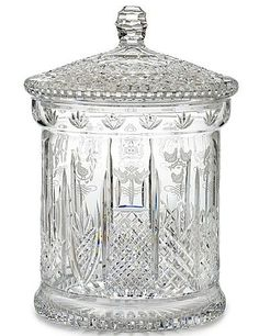 Waterford 12 Days of Christmas Lidded Biscuit Barrel Crystal Glassware, Crystal Vase, Waterford Crystal, Cut Glass, Glass Art, Cake Stand With Dome, Goth Home Decor, Vintage Jars, Decoration Piece