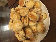 Oškvarkové pagáčiky • recept • bonvivani.sk Pretzel Bites, Ale, Bread, Food, Basket, Meal, Brot, Eten, Ales