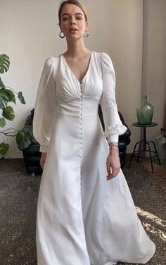 Simple Dresses, Elegant Dresses, Pretty Dresses, Beautiful Dresses, Civil Wedding Dresses, Bridal Dresses, 70s Wedding Dress, Minimal Wedding Dress, Minimalist Wedding Dresses