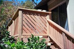 deck railing ideas-also good for added privacy Wood Porch Railings, Garden Railings, Deck Spindles, Balcony Railing, Deck Yard Ideas, Porch Ideas, Back Porch Designs, Outdoor Crafts, Outdoor Ideas