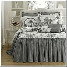 Trendy bedroom ideas grey and white bedspreads Trendy Bedroom, Modern Bedroom, Bedroom Colors, Bedroom Decor, Bedroom Ideas, Home Interior, Interior Design, White Bedspreads, Comforters