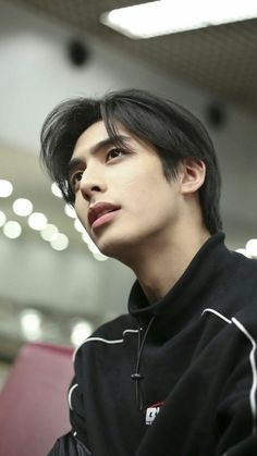 Korean Men Hairstyle, Korean Haircut, Hot Korean Guys, Cute Korean Boys, Handsome Faces, Handsome Boys, Song Wei Long, Perfect Husband, Queen Love