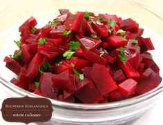 The beetroot is pickled in vinegar solution & condiments . Romanian Recipes, Romanian Food, Kinds Of Salad, Beetroot, Beets, Salad Recipes, Entrees, Watermelon, Side Dishes