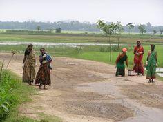 Bangladeshi village women paid to do road maintenance  Photo by Melanie Pratt
