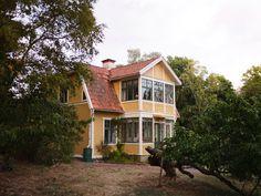 Historiska hem Cottage Homes, Home Fashion, Villa, Exterior, Cabin, Interior Design, Architecture, House Styles, Places