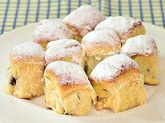 České buchty — Kluci v akci — Česká televize Czech Recipes, Russian Recipes, Czech Food, Low Carb, Polish, Sweets, Restaurant, Bread, Cooking