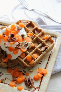 Sunday Breakfast: Carrot cake wafels - It's a food life Yotam Ottolenghi, Sunday Breakfast, Carrot Cake, A Food, Waffles, Carrots, Snacks, Recipes, Smoothie