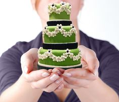 mini cake Too cute Gorgeous Cakes, Pretty Cakes, Amazing Cakes, Cupcakes, Cupcake Cakes, Mini Tortillas, Fancy Cakes, Mini Cakes, Petit Cake