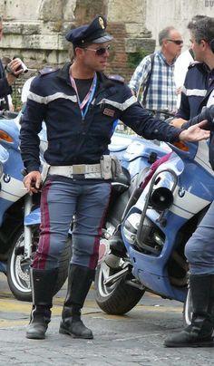 poliziotti gay italia