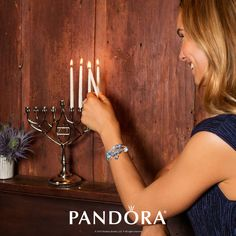 Celebrate the festival of lights and shine bright with PANDORA Jewellery. Sterling silver bracelets and charms of blues will create a festive holiday feeling.