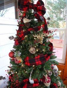 Black Christmas Trees, Woodland Christmas, Beautiful Christmas Trees, Christmas Tree Themes, Christmas Wood, Christmas Centerpieces, Diy Christmas Ornaments, Christmas Wreaths, Christmas Ideas
