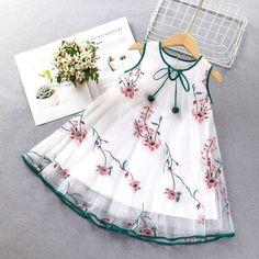 Girls Frock Design, Kids Frocks Design, Baby Frocks Designs, Baby Dress Design, Kids Dress Wear, Dresses Kids Girl, Kids Outfits, Baby Girl Dress Patterns, Baby Frock Pattern