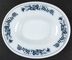 Corning, Old Town Blue (Corelle) - Page 1 Blue Onion, China Dinnerware, Pyrex, Old Town, Decorative Plates, Blue And White, Dishes, Tattoo, Antiques