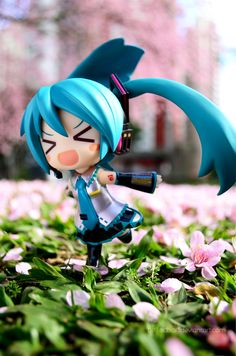 Again, Miku. Movement is expressed within this picture. Very lucid colors. Not much else to say!