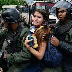@Regrann from @venezuela.noticias1 - Fuerza para todas nuestras guerreras que día a día salen a defender nuestro país. #fuerza #grandesluchadoras #Venezuela #20jul - #regrann