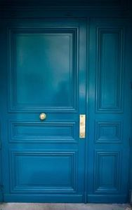 How to Paint a Door With a Paint Brush thumbnail