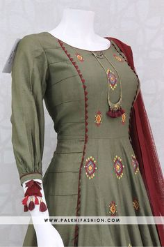 Best 12 Get classy wearing this exuberant dark olive green soft silk indian outfit enriched with multi colored resham embroidered work and handcrafted embellishments all over outfit. Sleeve look is very appealing and trendy.This outfit comes with matching Salwar Designs, Kurta Designs Women, Kurti Designs Party Wear, Neck Designs For Suits, Sleeves Designs For Dresses, Dress Neck Designs, Blouse Designs, Kurti Sleeves Design, Kurta Neck Design