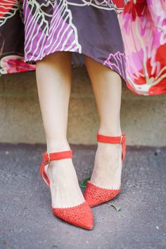Laser cut ankle strap mid heels with ladylike scalloped detailing. Perfect for office to party.