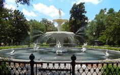 Forsythe Fountain, Savannah, Georgia - Learn more!