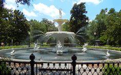 Forsythe Fountain, Savannah, Georgia - Learn more!