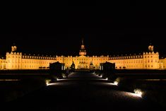 Badisches Landesmuseum @ night - Palace from the century & Museum of History & Culture from Roman times until today. It was already an amazing view during the day. But at night it is a magic place. Museum, During The Day, City Architecture, Life Photography, 18th Century, Palace, Louvre, Culture, History