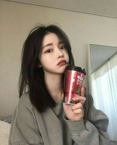Find images and videos about korean, ulzzang and asian girl on We Heart It - the app to get lost in what you love. Pretty Korean Girls, Cute Korean Girl, Pretty Asian, Asian Girl, Korean Aesthetic, Aesthetic Girl, Korean Beauty, Asian Beauty, Ulzzang Korean Girl
