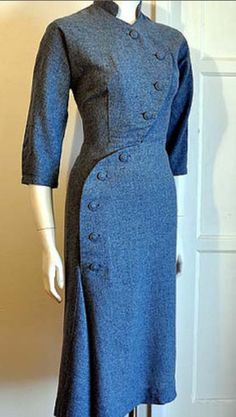 40's dress ~ Definitely later 40's based on the length and the cut, but this really caught my eye anyway!! It must be that button design, and the gorgeous blue color!!