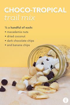 Pre- and Post-Workout Snacks - Choco-tropical trail mix: a blend of ½ a handful of each: macadamia nuts, dried coconut, dark chocolate chips, and banana chips. Get Healthy, Healthy Life, Healthy Snacks, Healthy Living, Smart Snacks, Protein Snacks, Healthy Breakfasts, Healthy Habits, Lunch Snacks
