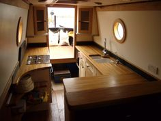 jigsaw the opposing side? Narrowboat Kitchen, Narrowboat Interiors, Barge Boat, Canal Barge, Barge Interior, Best Interior, Interior Ideas, Living On A Boat, Small Living