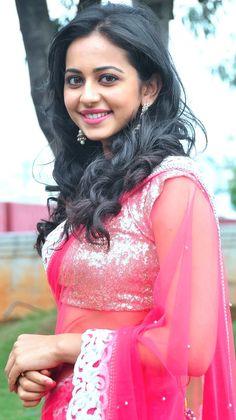 Photo - Google+ Beautiful Bollywood Actress, Most Beautiful Indian Actress, Beautiful Actresses, Most Beautiful Women, Beautiful People, Bollywood Girls, Indian Bollywood, Tamil Girls, Cute Beauty
