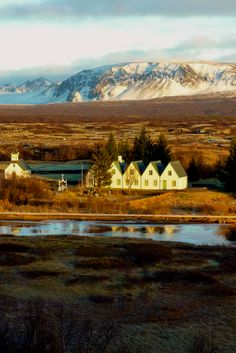 Thingvellir Nationaal Park, what a stunning place. It's one of the highlights of the famous Golden Circle in Iceland.