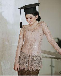Kebaya Modern Hijab, Dress Brokat Modern, Model Kebaya Modern, Kebaya Hijab, Kebaya Muslim, Kebaya Bali Modern, Hijab Dress, Kebaya Lace, Batik Kebaya