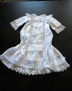 A Classic Victorian or 'Belle Epoque' era Child's Dress