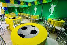 Encontrando Ideias Soccer Birthday Parties, Football Birthday, Soccer Party, Soccer Ball, Soccer Banquet, Football Themes, Festa Party, Deco Table, Fifa World Cup