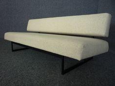 Vintage Daybed Sofa Attrib. Gijs van der Sluis? Bezug & Polsterung neu. 50s