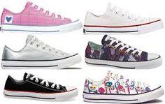 """Vários Ténis formato sapatilha """"All Star"""" com padrões diferentes"""