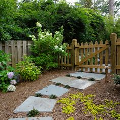 Build Picket Fence Gate Design Ideas, Pictures, Remodel, and Decor - page 14