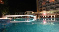 Хотелът се намира в Слънчев бряг и предлага помещения за настаняване с кабелна телевизия и балкон. На цялата територия е осигурен безплатен Wi-Fi интернет. Гостите могат да релаксират и да правят слънчеви бани на терасата. Най-близкият плаж е само на 300 м.