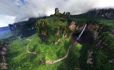 El Salto Ángel (Kerepakupai Vená, en pemón, que significa «salto del lugar más profundo») es el salto de agua más alto del mundo, con una altura de 979 m (807 m de caída ininterrumpida), generada desde el Auyantepuy. Se localiza en el Parque Nacional Canaima, en el estado Bolívar, Venezuela.