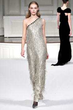 Oscar de la Renta Fall 2011 Ready-to-Wear Collection Slideshow on Style.com