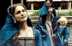 Natalie Portman as Anne Boleyn in The Other Boleyn Girl (2008)
